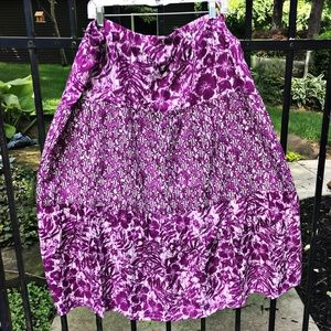 Dresses & Skirts - Beautiful floral/tie-dyed summer skirt in orchid